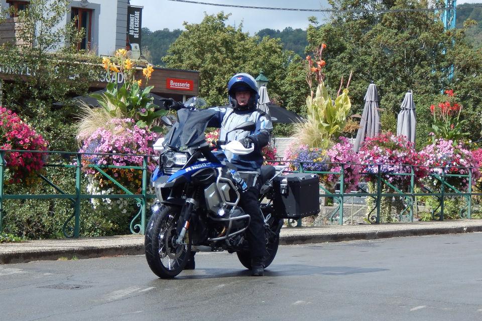 Motorrijbewijspoint Amsterdam examengarantie AVB en AVD